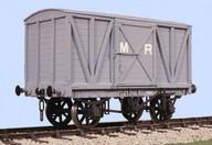 Slaters 4024 - MR 10 Ton Box Van