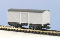 Peco N Gauge Wagon Kit KNR-9 - 15ft Wheelbase parcel/Fish Box Van